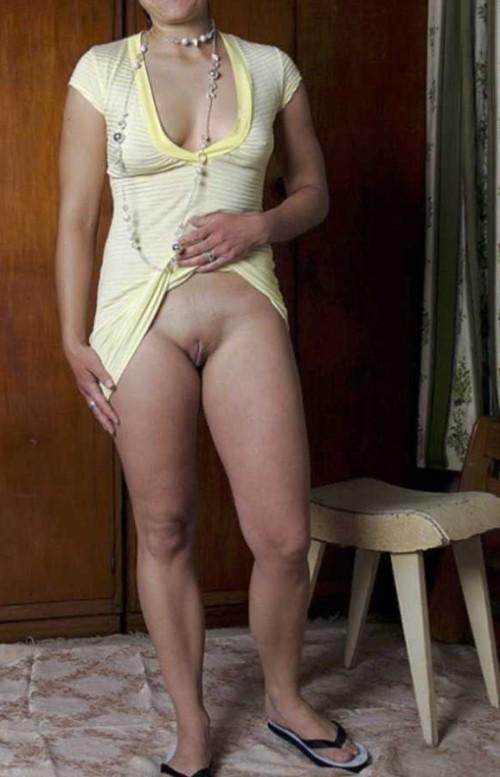 sous sa robe