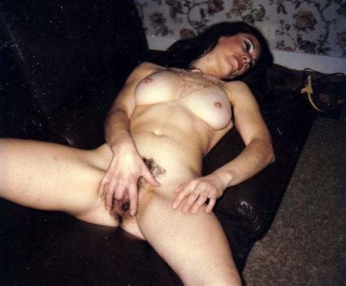 Marie se masturbe